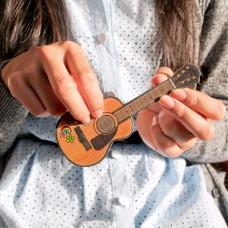 פצירת ציפורניים גיטרה
